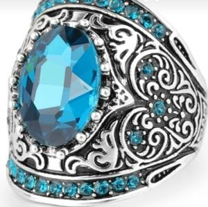 NEW Women's Antique Silver Austrian Crystal Ring